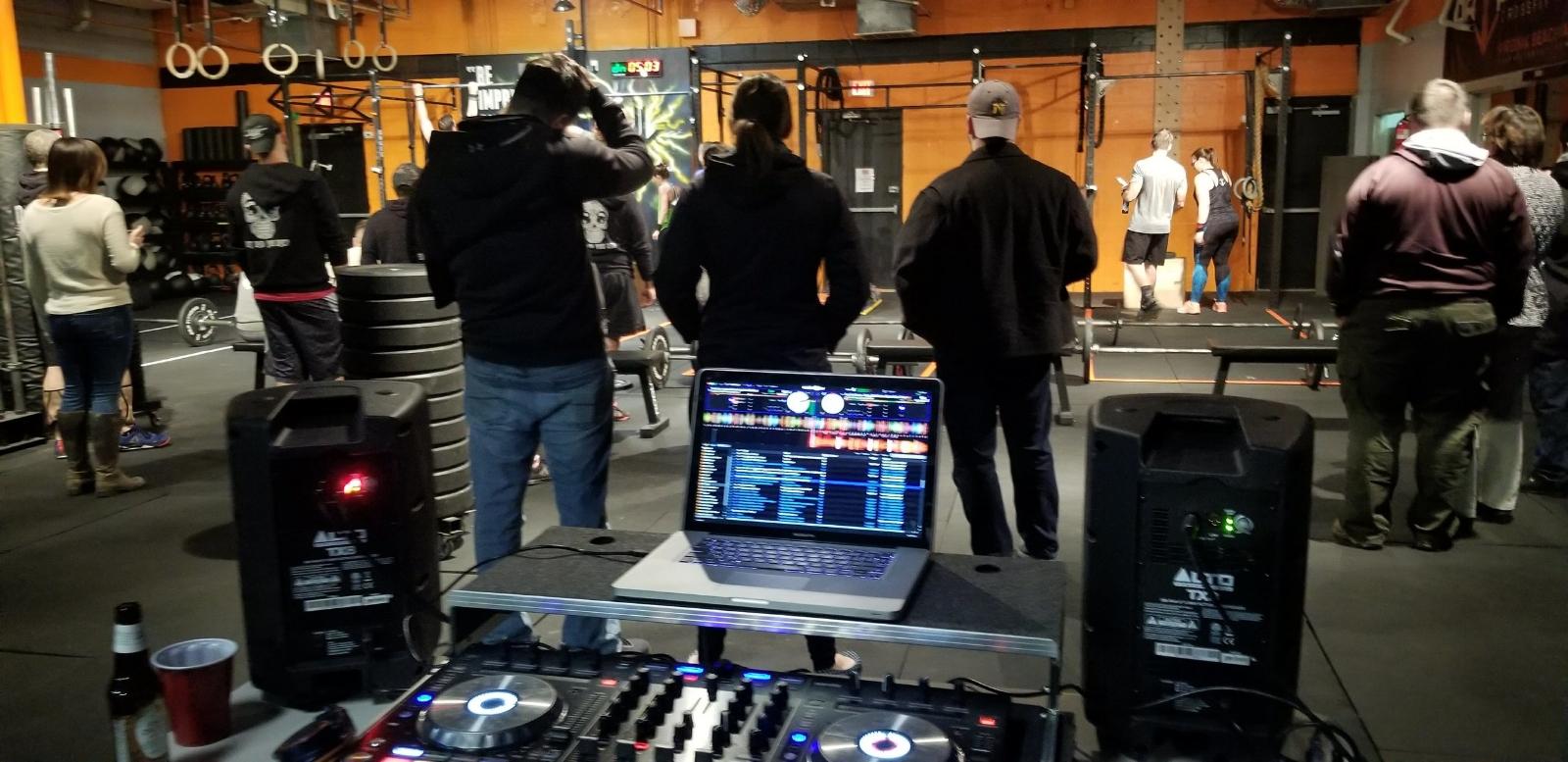 deandre aka as dj serius, crossfit open 2018-friday night lights