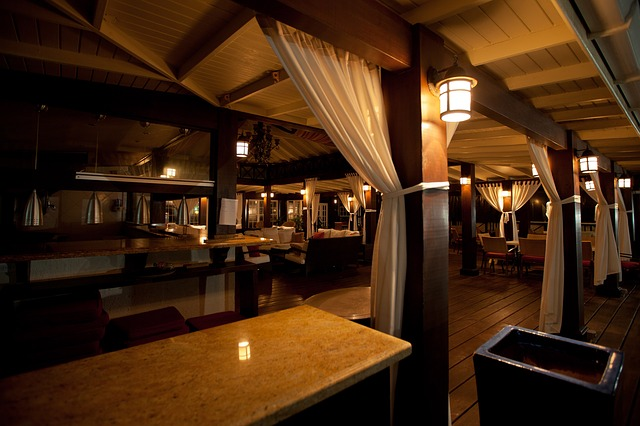 Les restaurants luxueux des stations de ski accueillent une clientèle qui a soif d'innovation