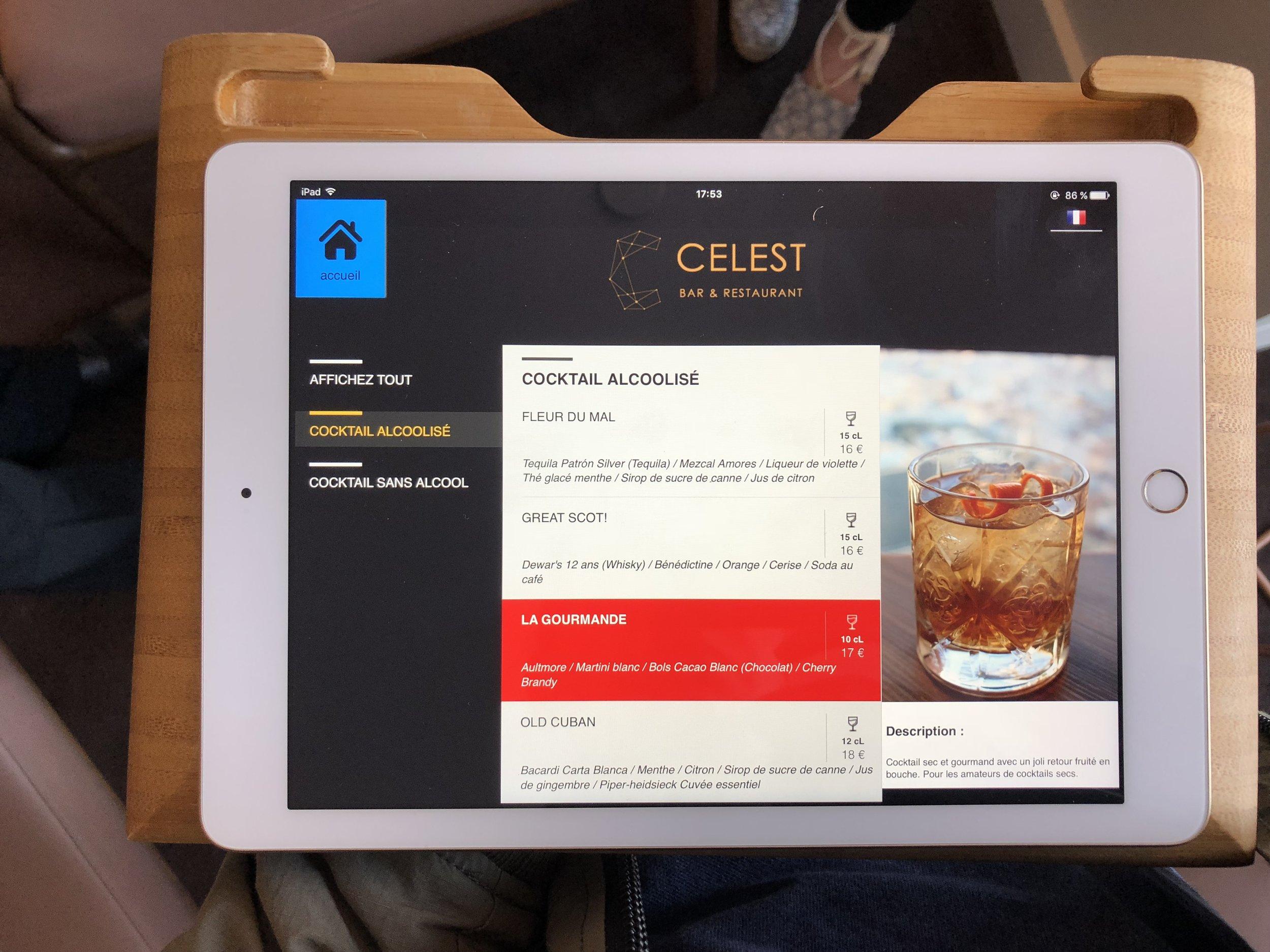 bar a cocktails menu sur ipad.jpg