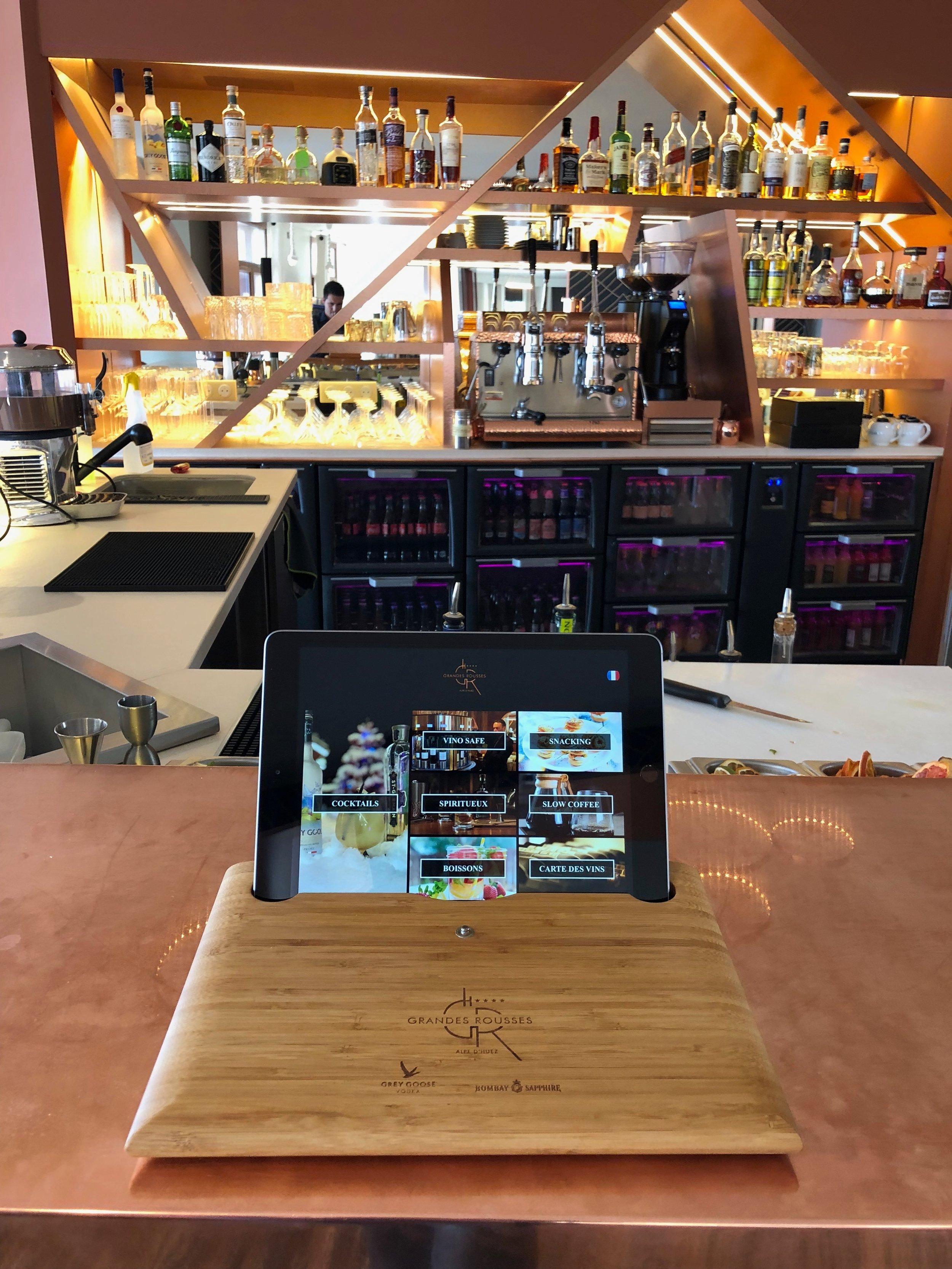Hotel Grandes Rousses Alpe Huez menus sur tablettes tactiles