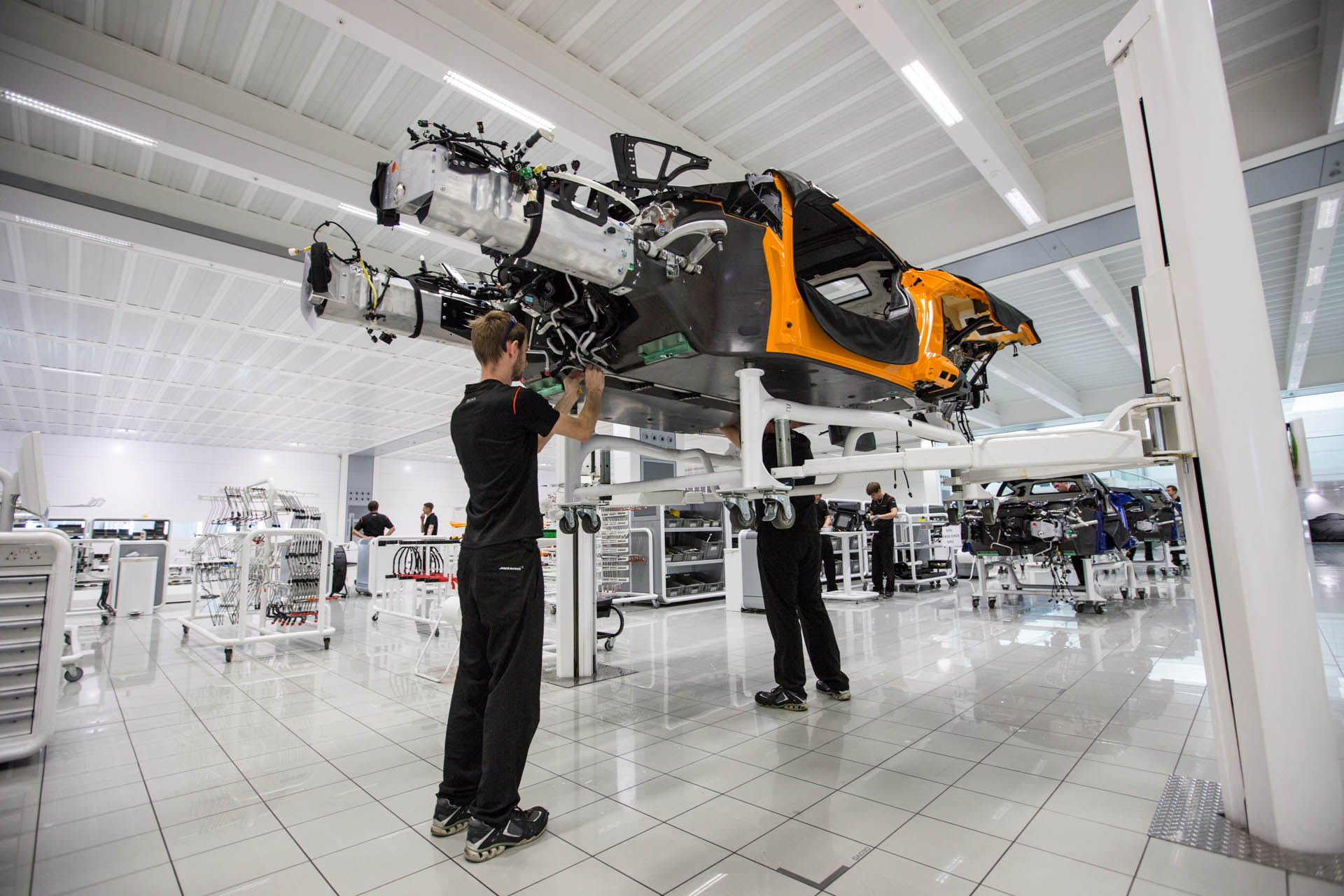 mclaren-behind-the-scenes-650s-98.jpg