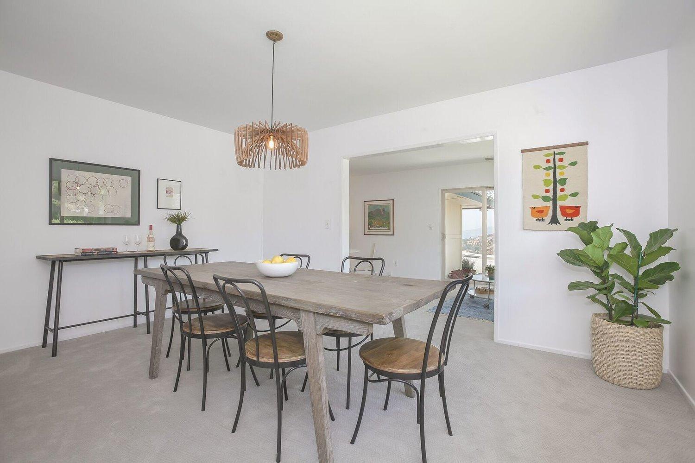 012-Dining_Room-4443088-large.jpg
