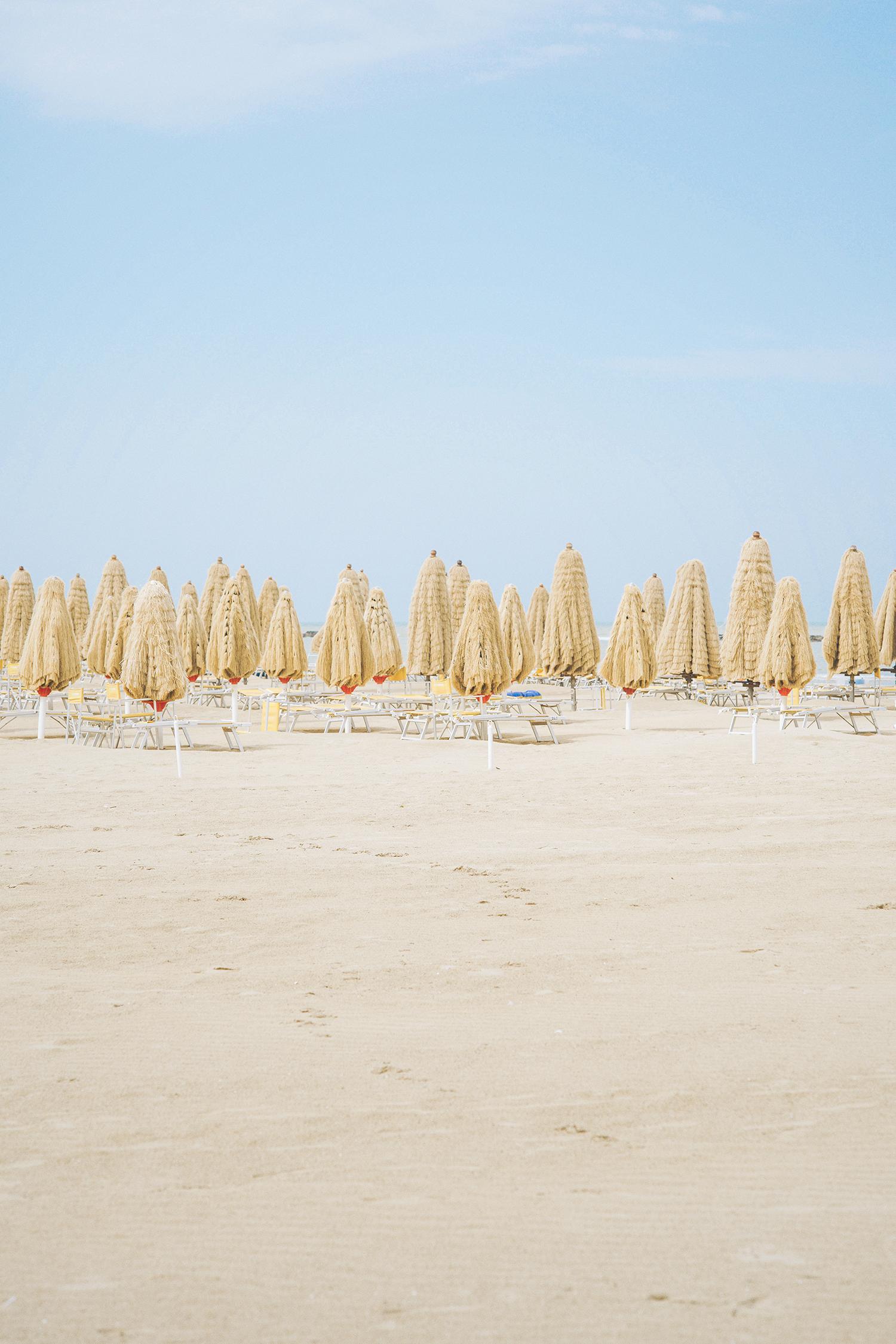 Apollo Beach Umbrellas, Pescara, 2016