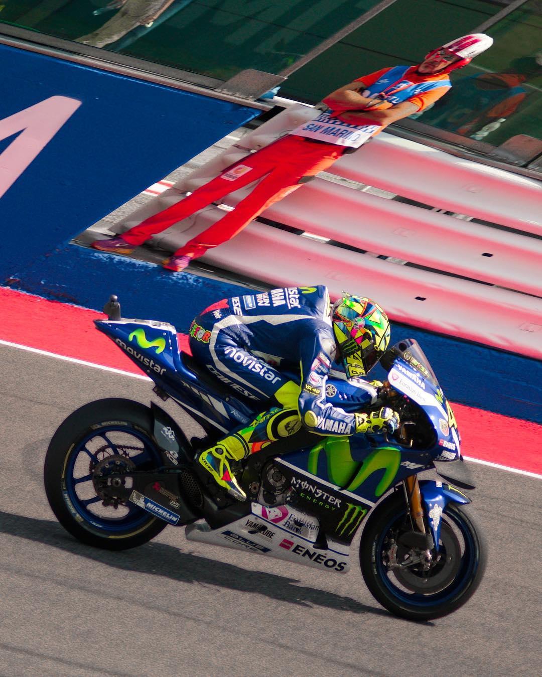 Valentino Rossi & Marshall @245kph -