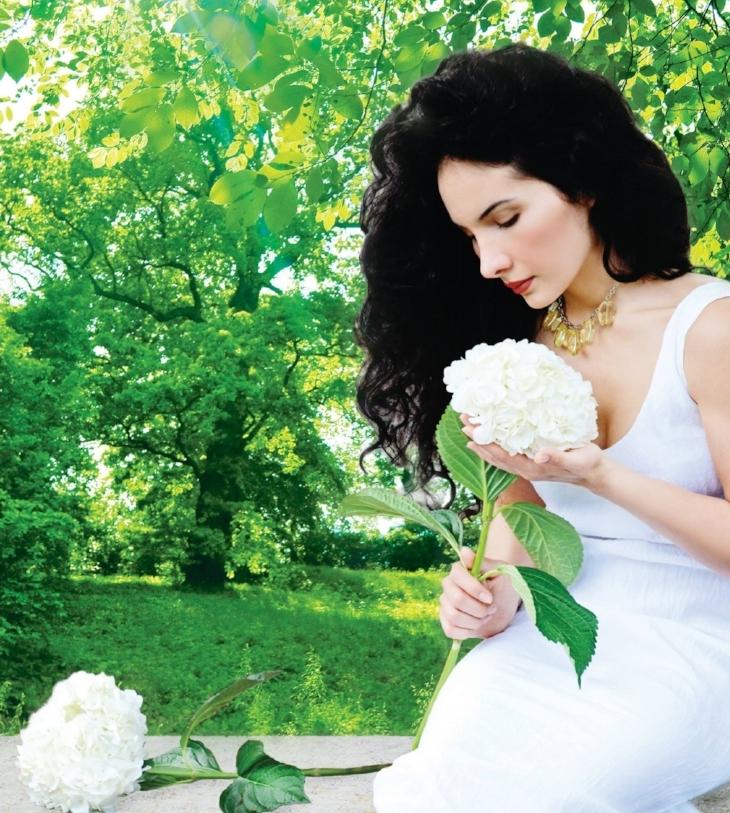 woman green.jpg
