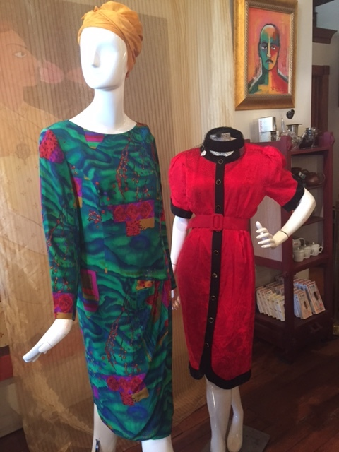 Hello Ladies! - Fabulous gently used womens luxury and vintage clothing and accessories!
