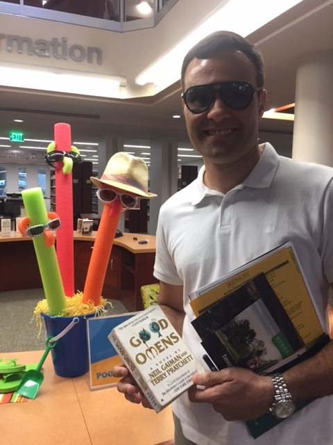 Murilo Exploring the Library.JPG