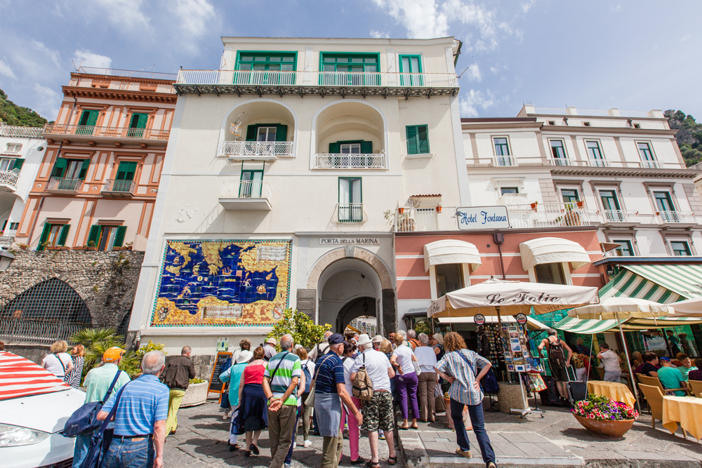 The entrance to the town square.  We found Amalfi to be filled with more tourists compared to Positano.
