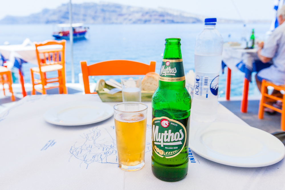 After swimming, we walked back to Amoudi Bay and ate lunch at Katina's, which is well-known for their lobster spaghetti and fresh seafood.