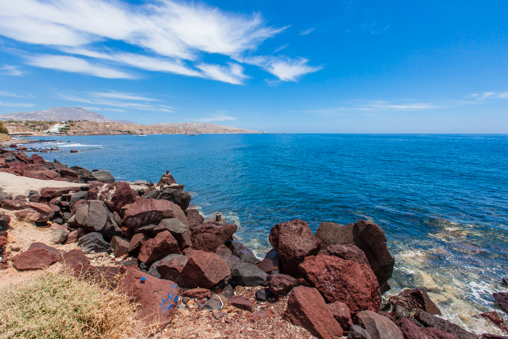 A viewpoint along the trail leading to the Red Beach.