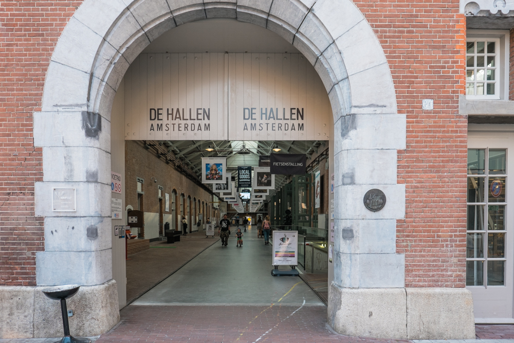 Because we hadn't had enough walking for one day, we decided to walk over to De Hallen. A former train depot that was built between 1902 and 1928.