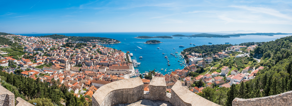 Just as Marjan Hill is to Split, Hvar Fort holds the best views of Hvar. Just look at this!