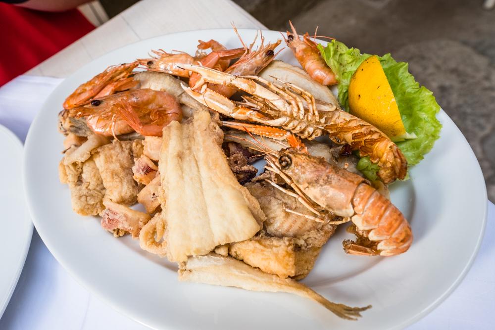 Frittare (fried fish, shrimps, prawns, squids)