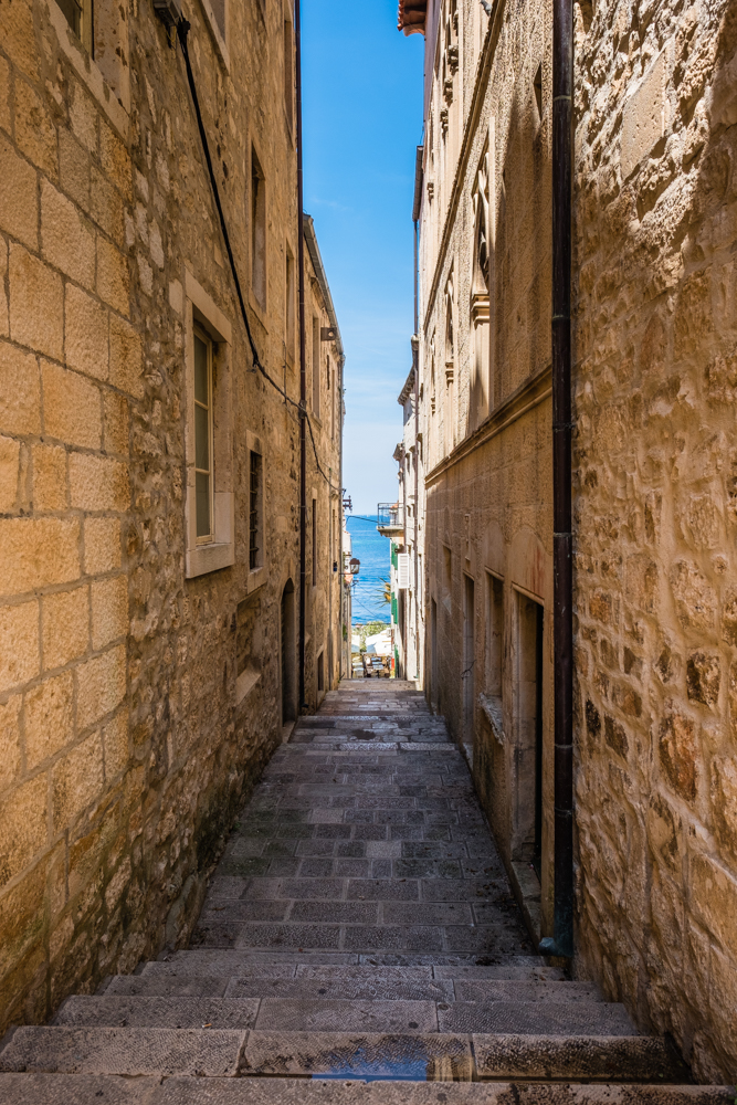 This is very similar to Dubrovnik and Hvar where you have narrow alleys with lots of steps.