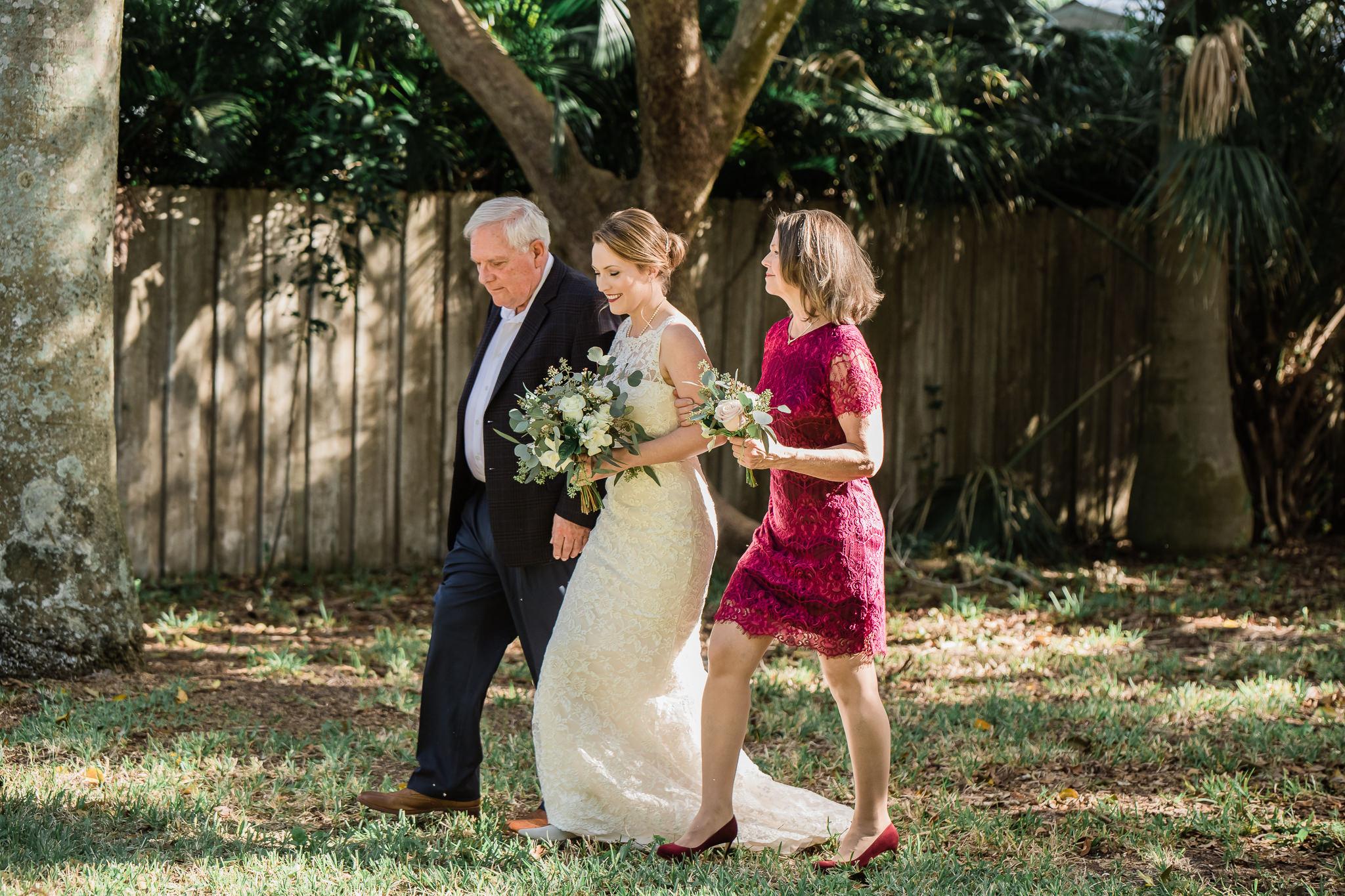 TAMPA_WEDDING_PHOTOGRAPHER_AKMZ_BANYON_GROVE_10.jpg