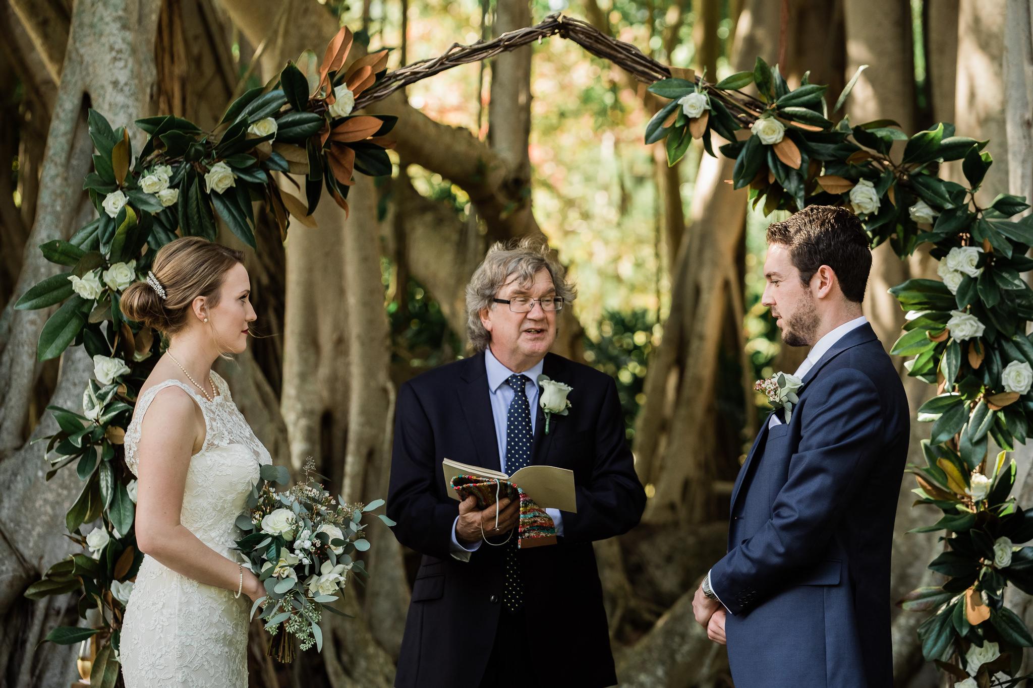 TAMPA_WEDDING_PHOTOGRAPHER_AKMZ_BANYON_GROVE_14.jpg