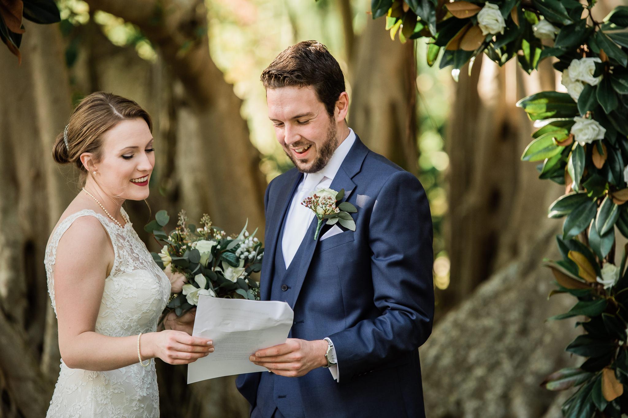TAMPA_WEDDING_PHOTOGRAPHER_AKMZ_BANYON_GROVE_16.jpg
