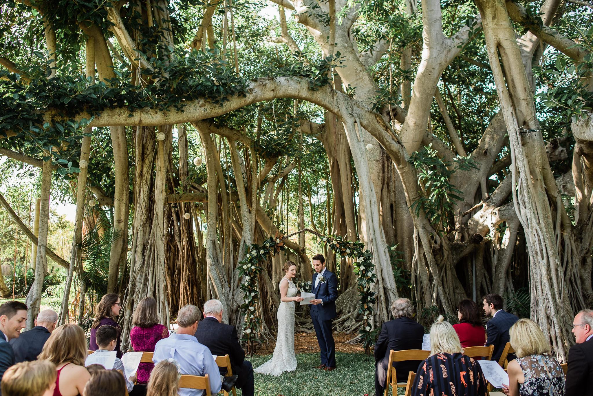TAMPA_WEDDING_PHOTOGRAPHER_AKMZ_BANYON_GROVE_17.jpg