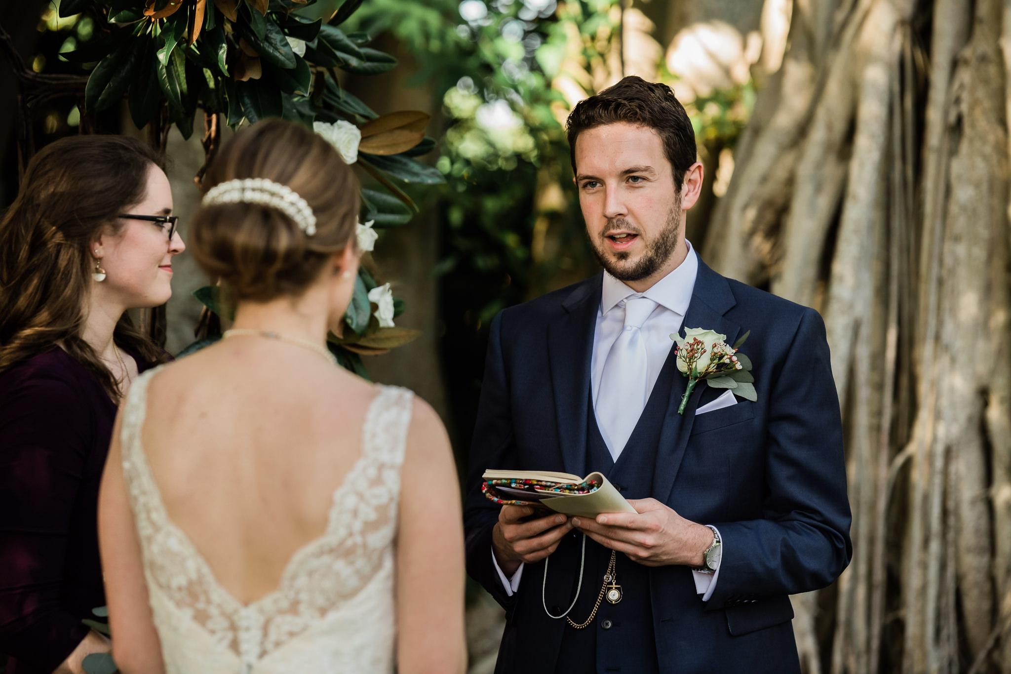 TAMPA_WEDDING_PHOTOGRAPHER_AKMZ_BANYON_GROVE_20.jpg