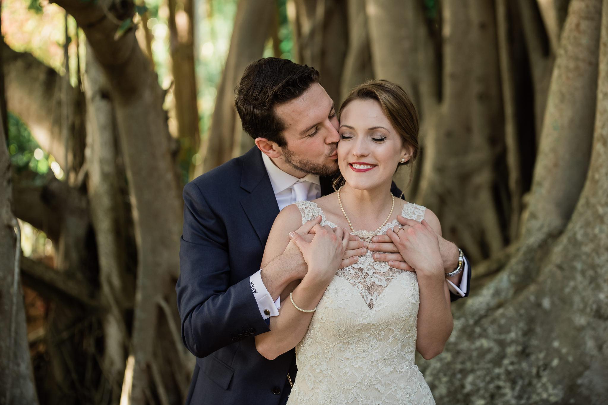 TAMPA_WEDDING_PHOTOGRAPHER_AKMZ_BANYON_GROVE_41.jpg