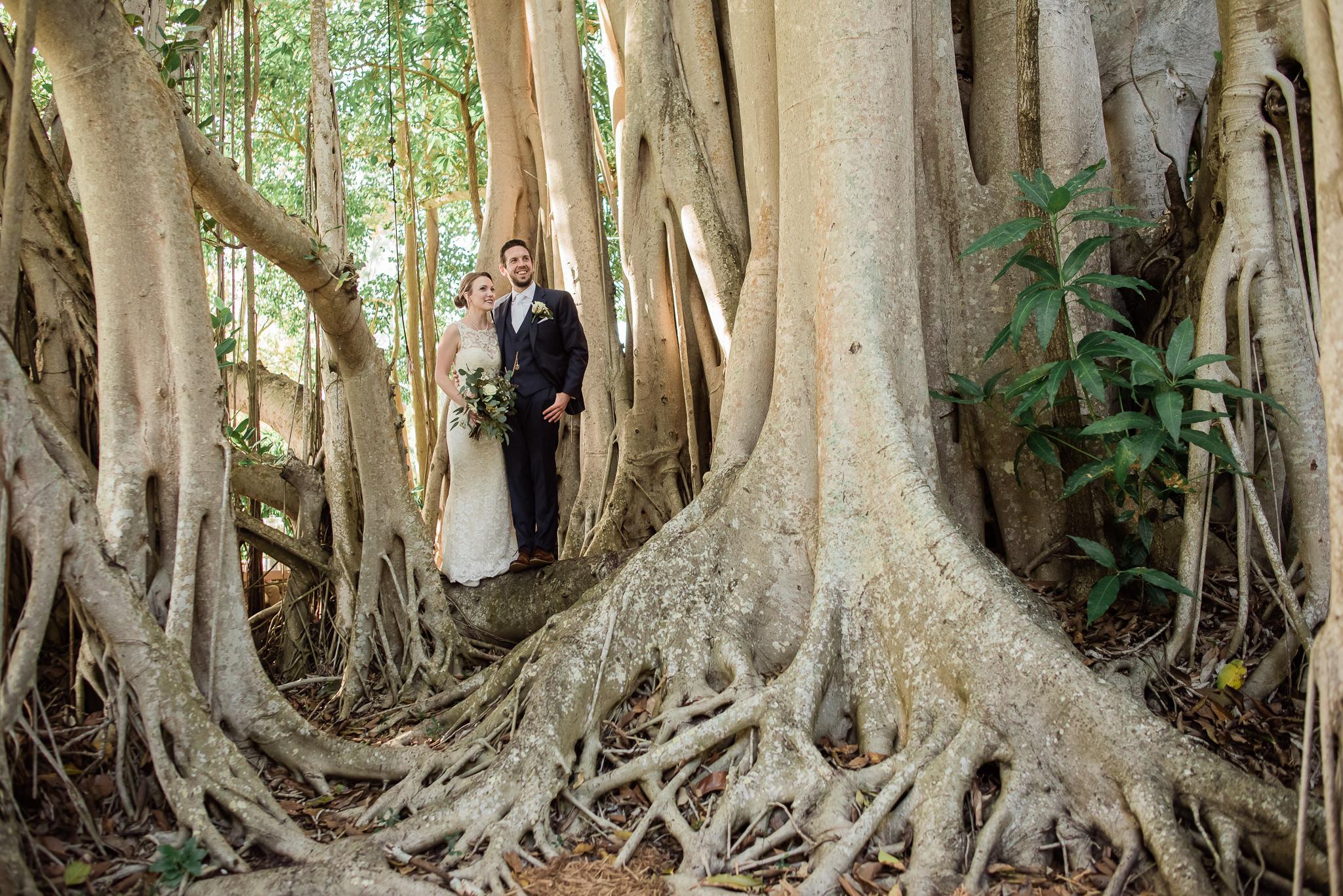 TAMPA_WEDDING_PHOTOGRAPHER_AKMZ_BANYON_GROVE_40.jpg