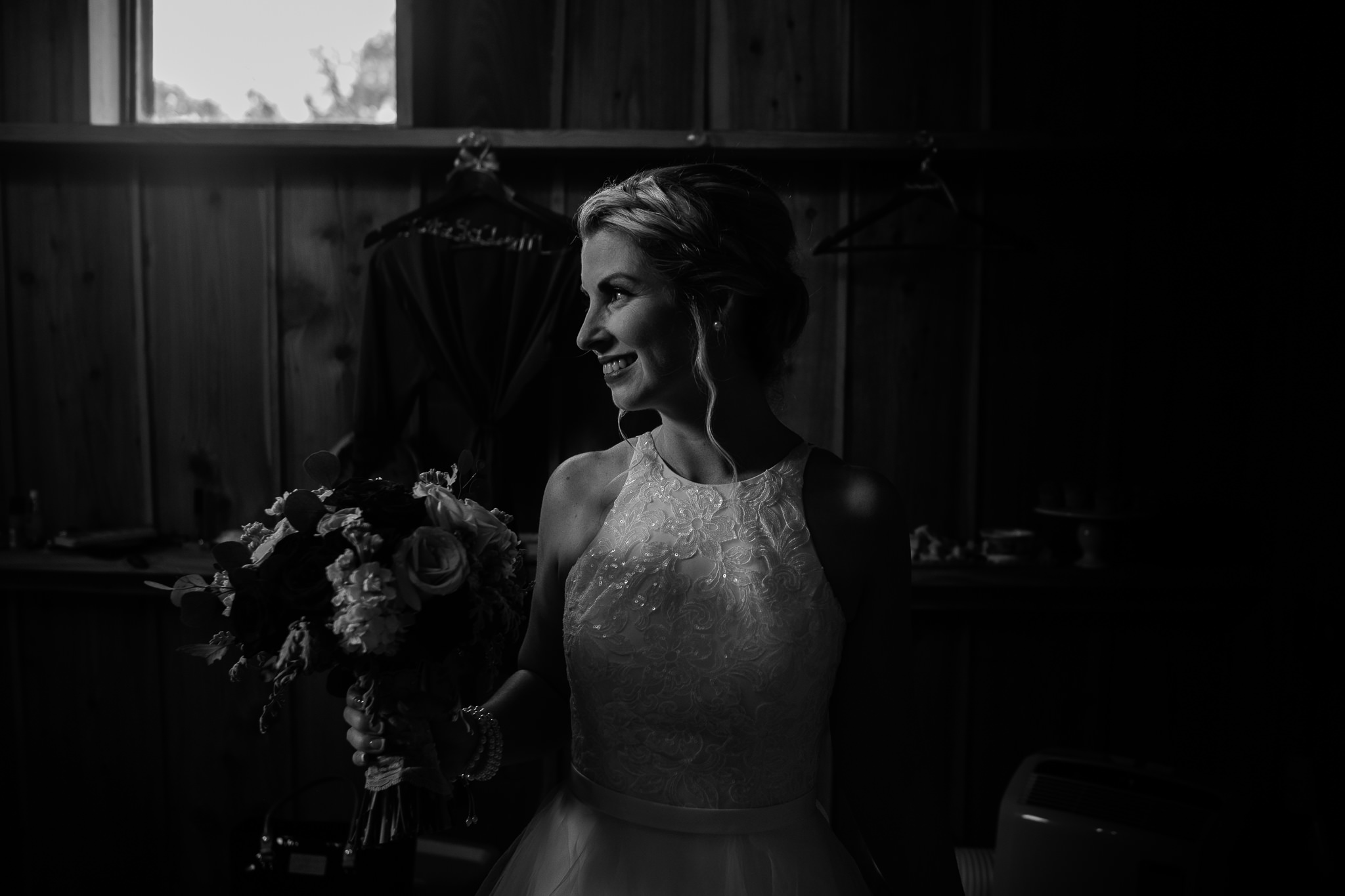 TAMPA_WEDDING_PHOTOGRAPHER_DRMZ_SPARROW_BARN_19.jpg