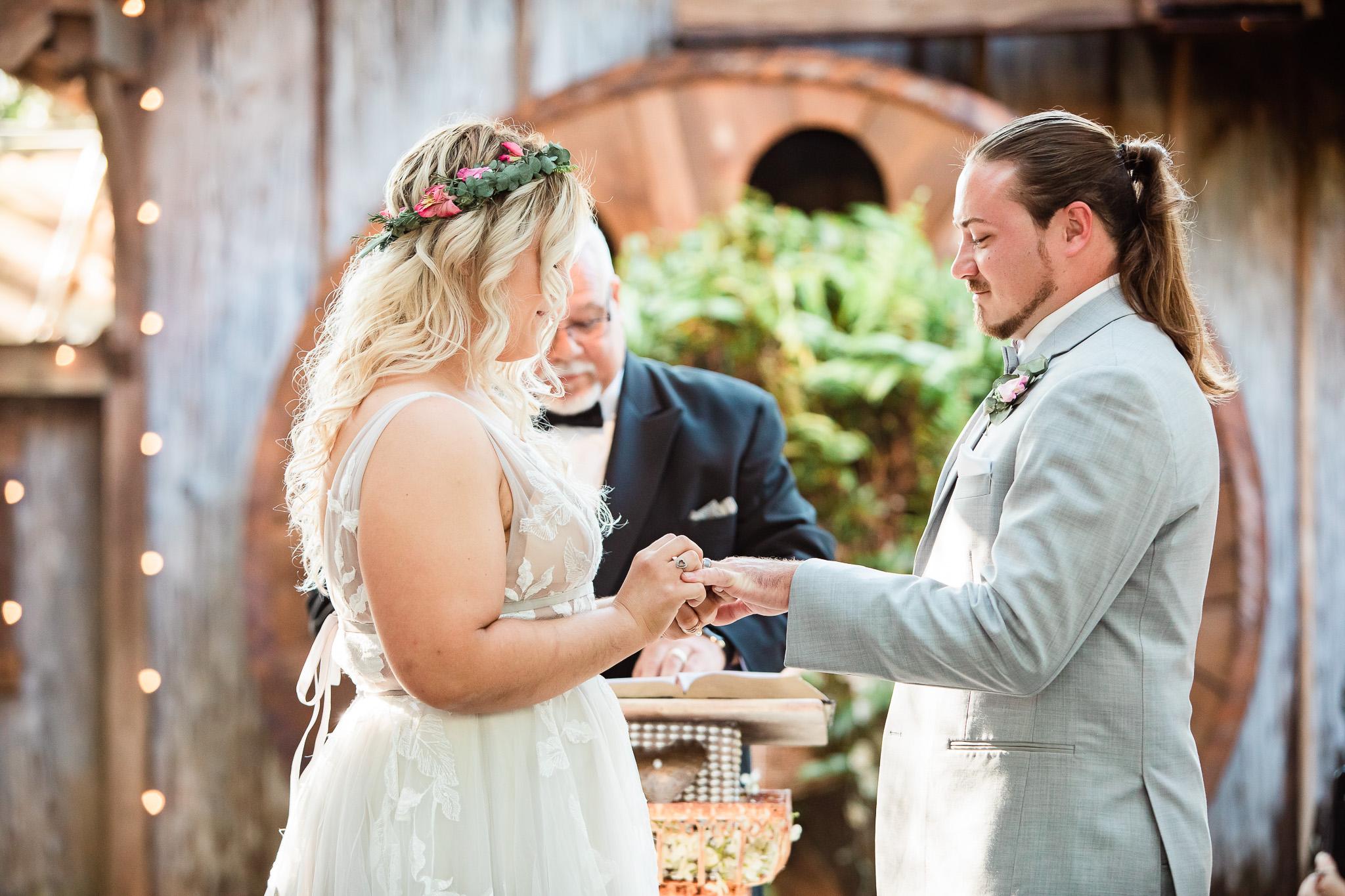 TAMPA_WEDDING_GIGIS_COUNTRY_GARDEN_CJMZ_TJL48258.jpg