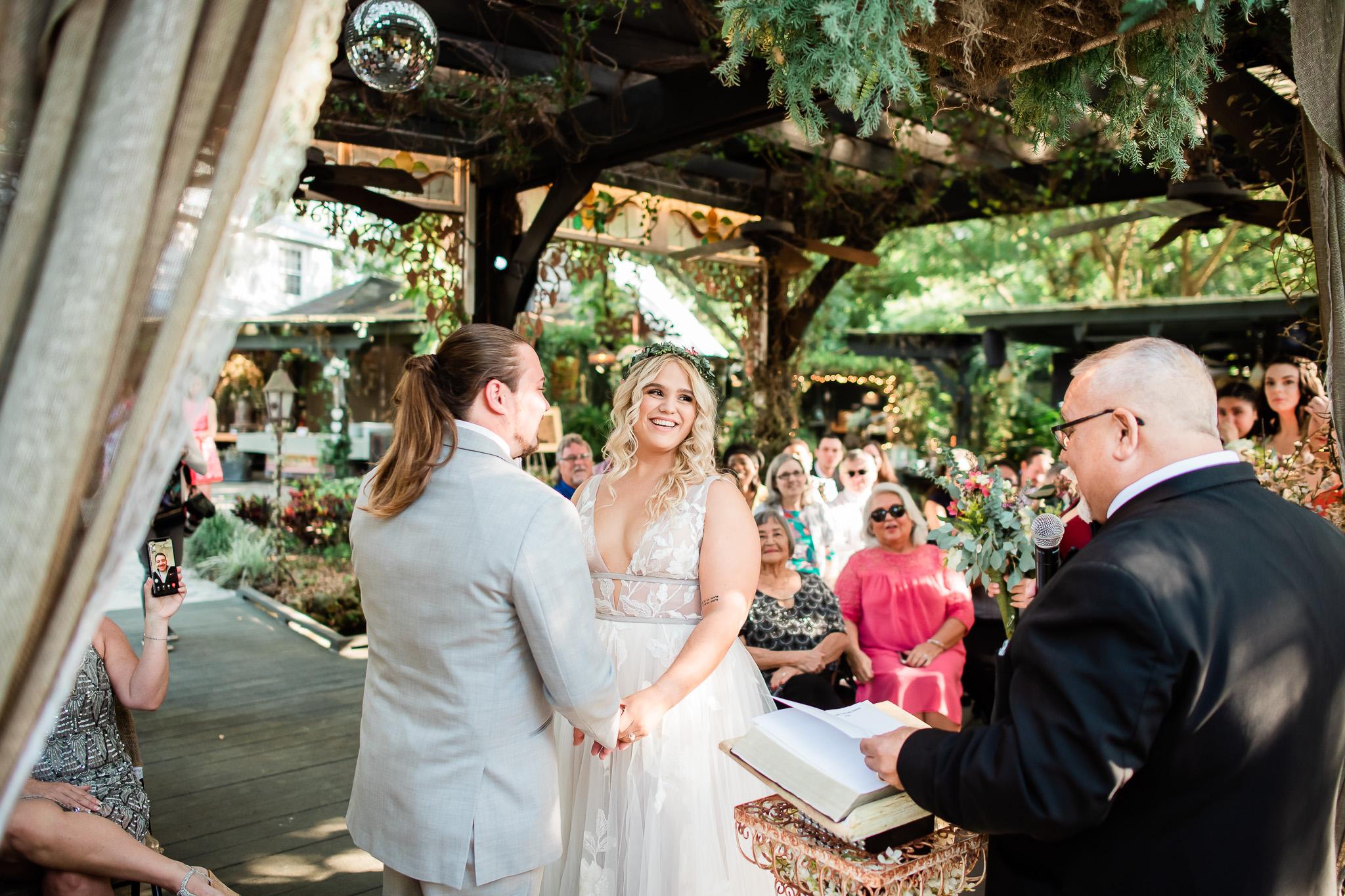 TAMPA_WEDDING_GIGIS_COUNTRY_GARDEN_CJMZ_D82_4576.jpg
