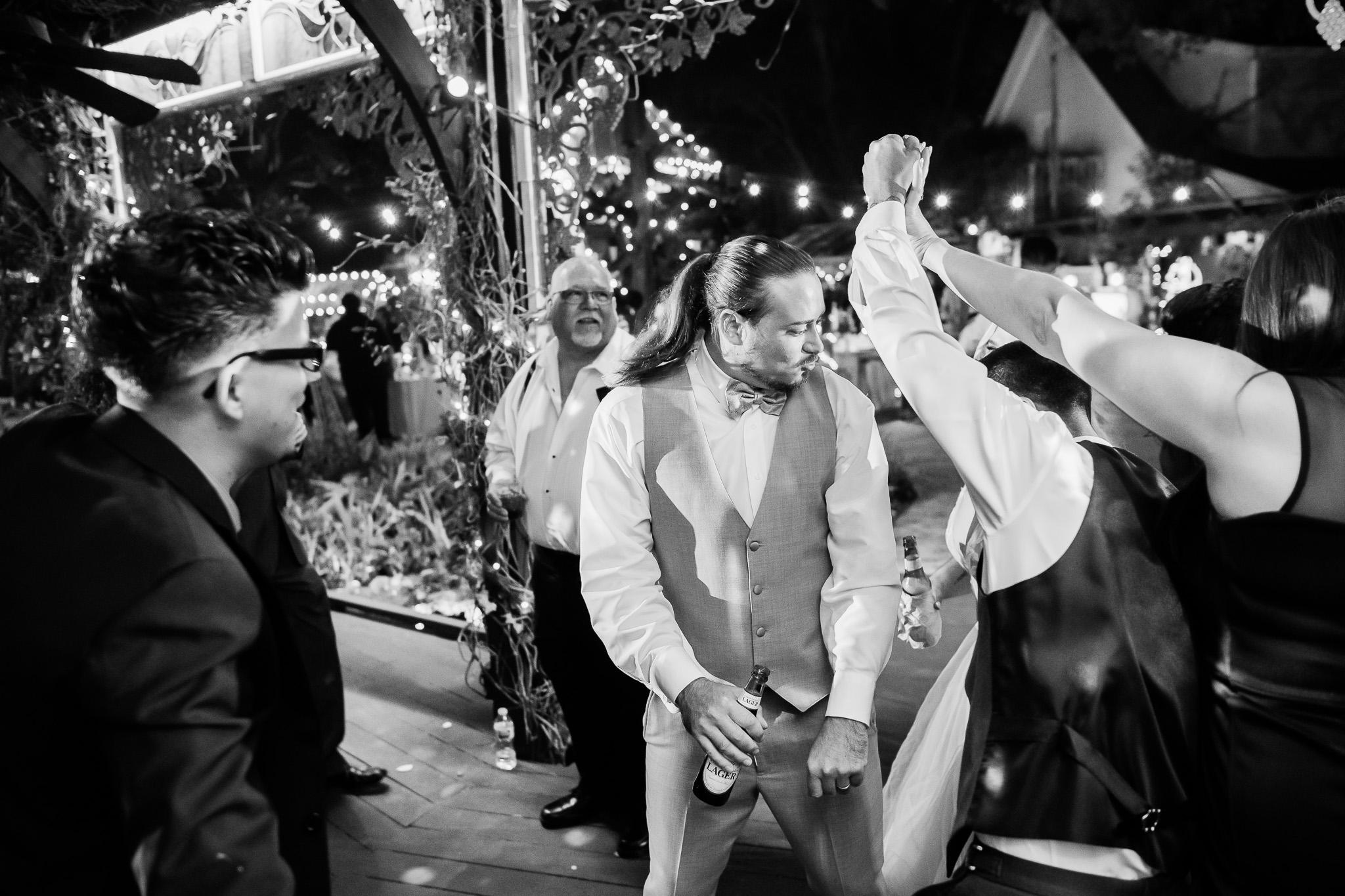TAMPA_WEDDING_GIGIS_COUNTRY_GARDEN_CJMZ_D82_5157.jpg