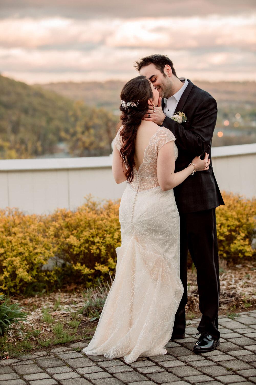 NEW_JERSEY_WEDDING_PHOTOGRAPHER_MT_FUJI_STEAKHOUSE_40453.jpg