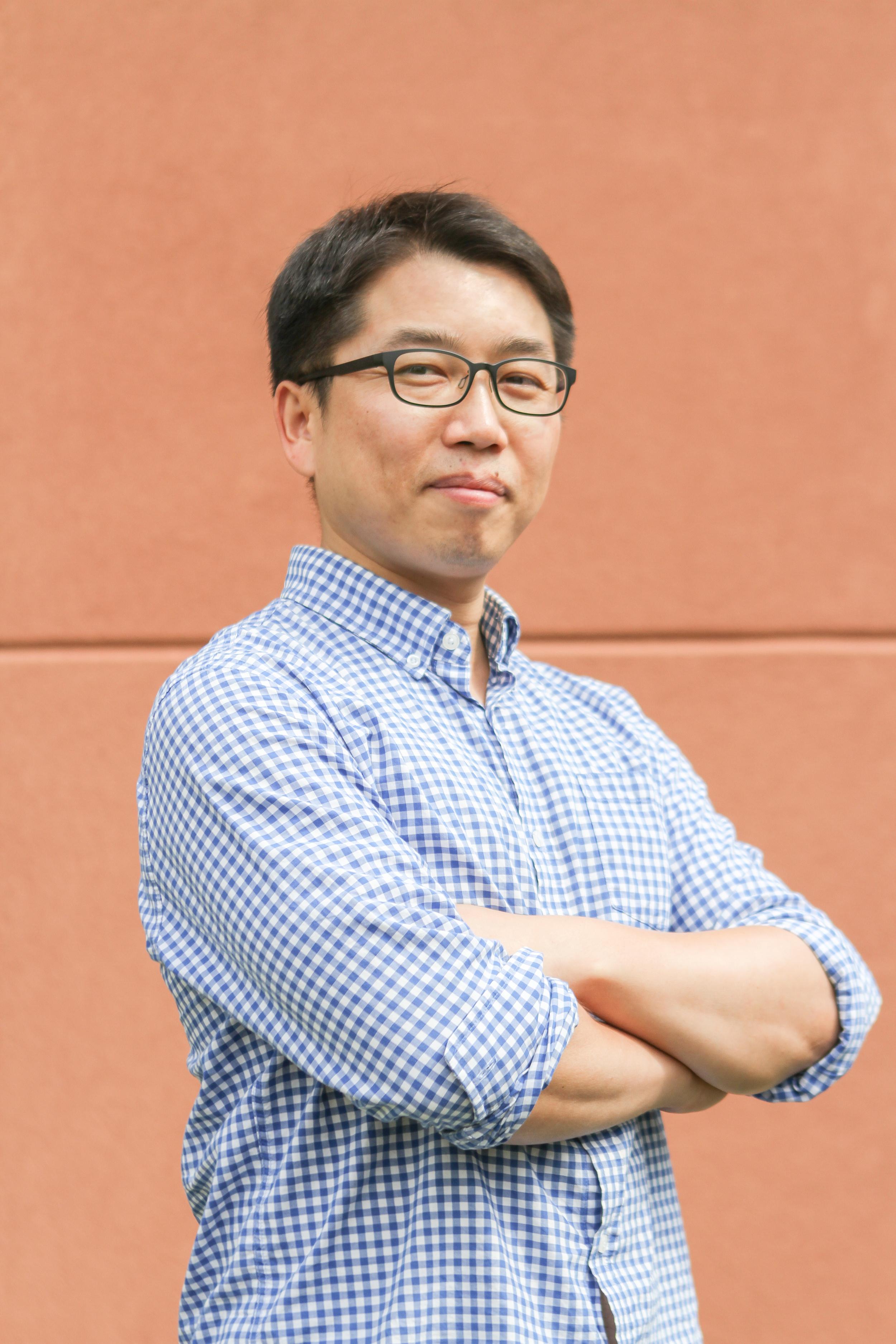 Dr. Hyoun-Tae Hwang     Senior Scientist