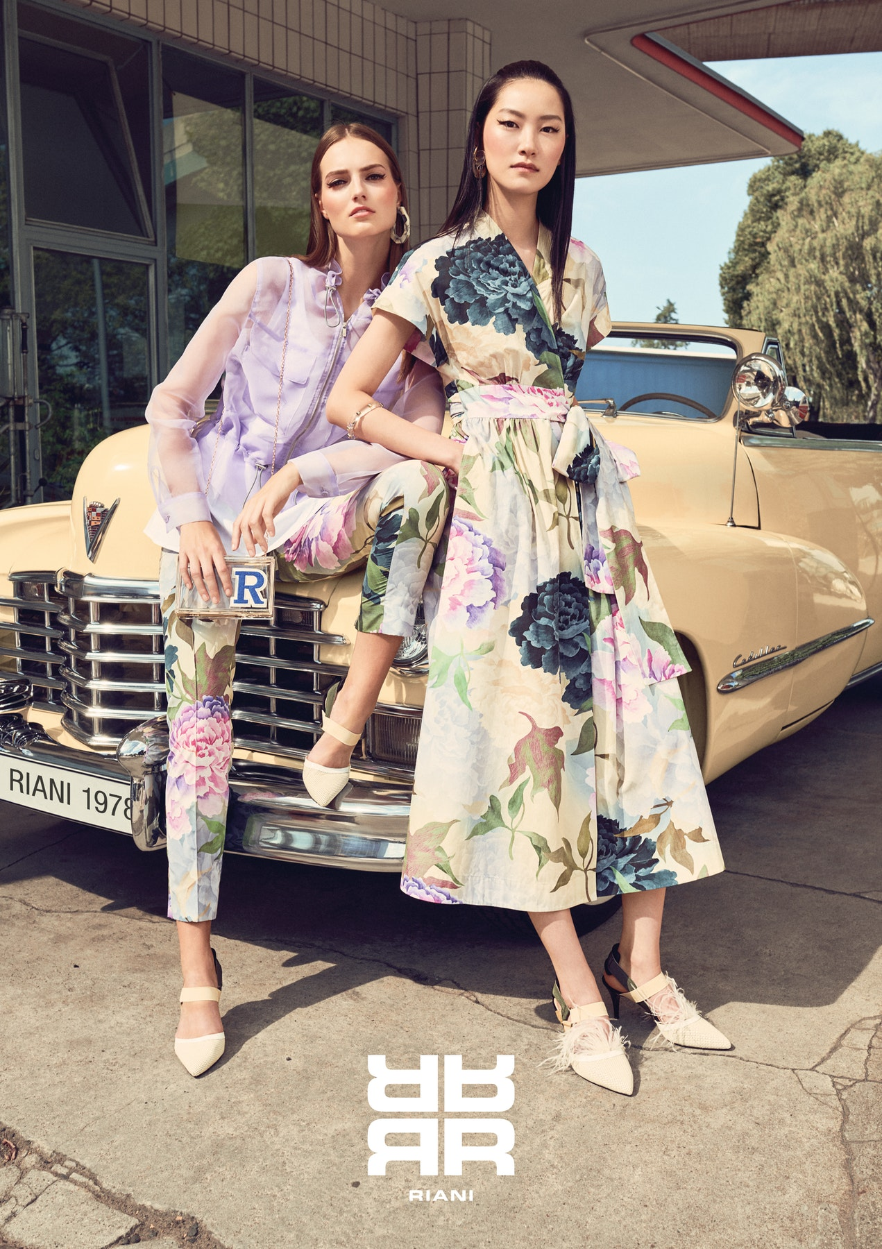 RIANI_spring_summer_2019_large_181015_RIANI_Image_193_194_Logo_A17.jpg