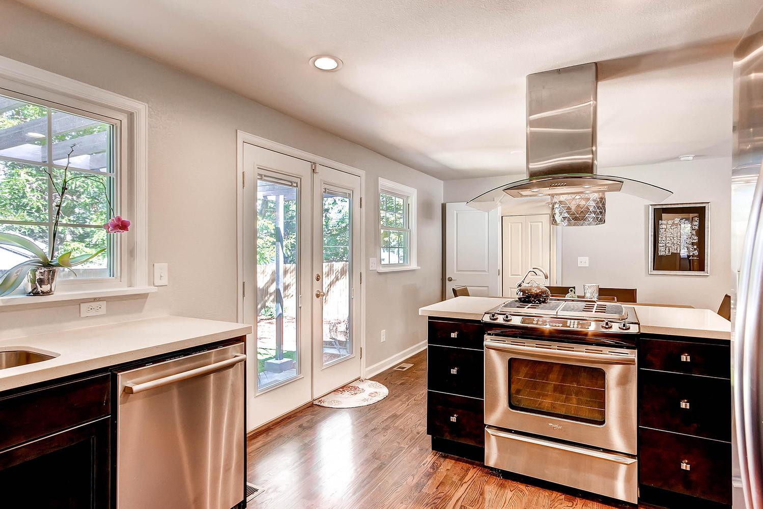 3297 S Lafayette St Englewood-large-013-Kitchen-1500x1000-72dpi.jpg