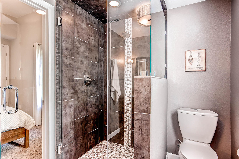 3297 S Lafayette St Englewood-large-018-Master Bathroom-1500x1000-72dpi.jpg
