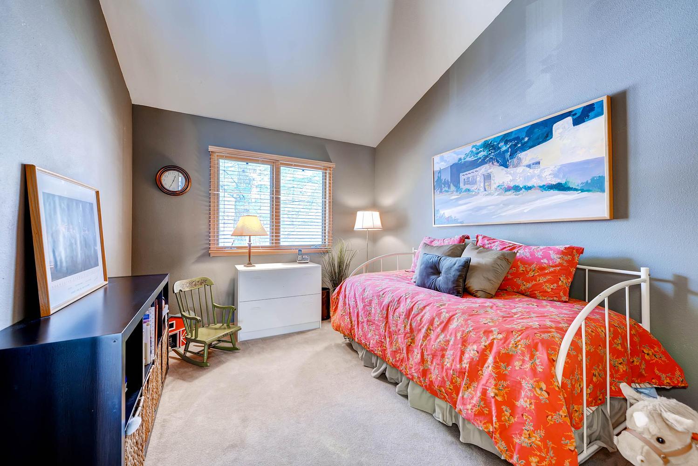 5632 Irish Pat Murphy Dr-large-022-2nd Floor Bedroom-1499x1000-72dpi.jpg