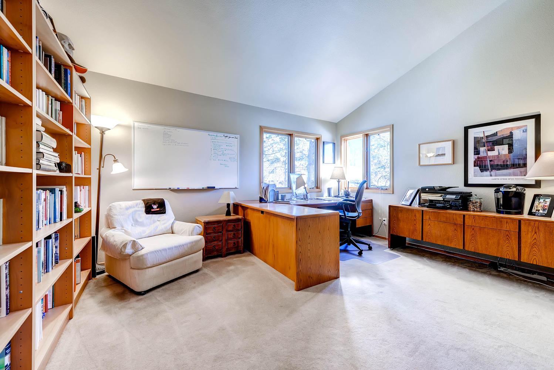5632 Irish Pat Murphy Dr-large-023-2nd Floor Bedroom-1499x1000-72dpi.jpg