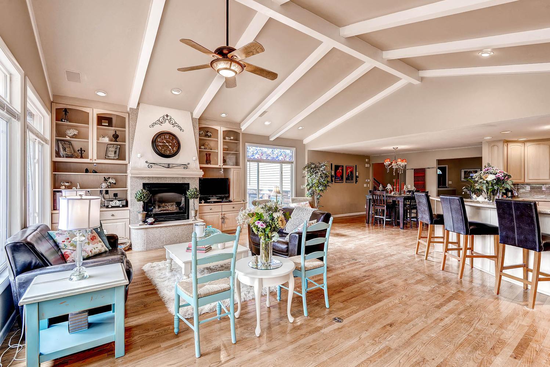 852 E Briarwood Circle S-large-001-Family Room-1499x1000-72dpi.jpg
