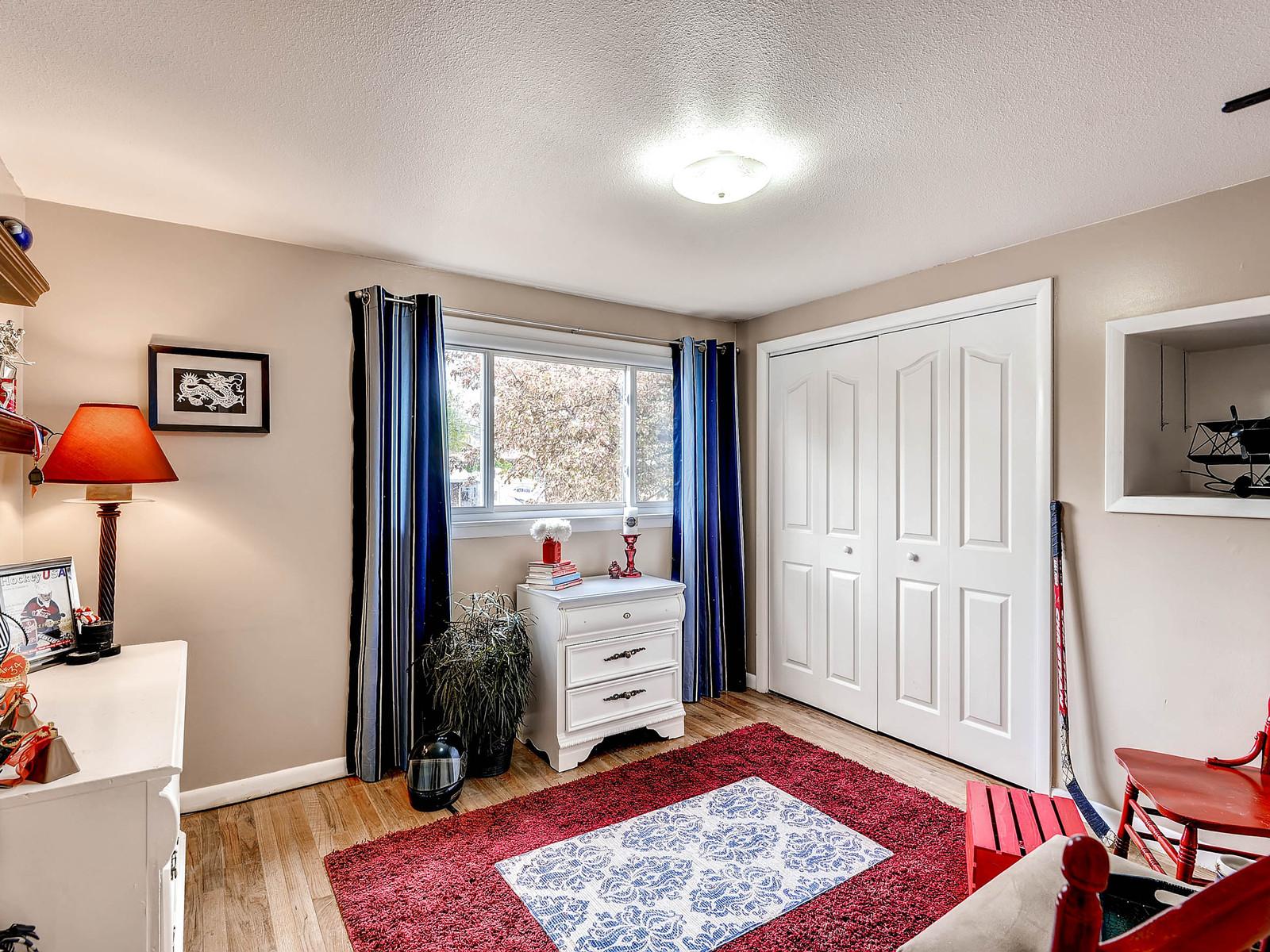 852 E Briarwood Circle S-MLS_Size-018-2nd Floor Bedroom-1600x1200-72dpi.jpg
