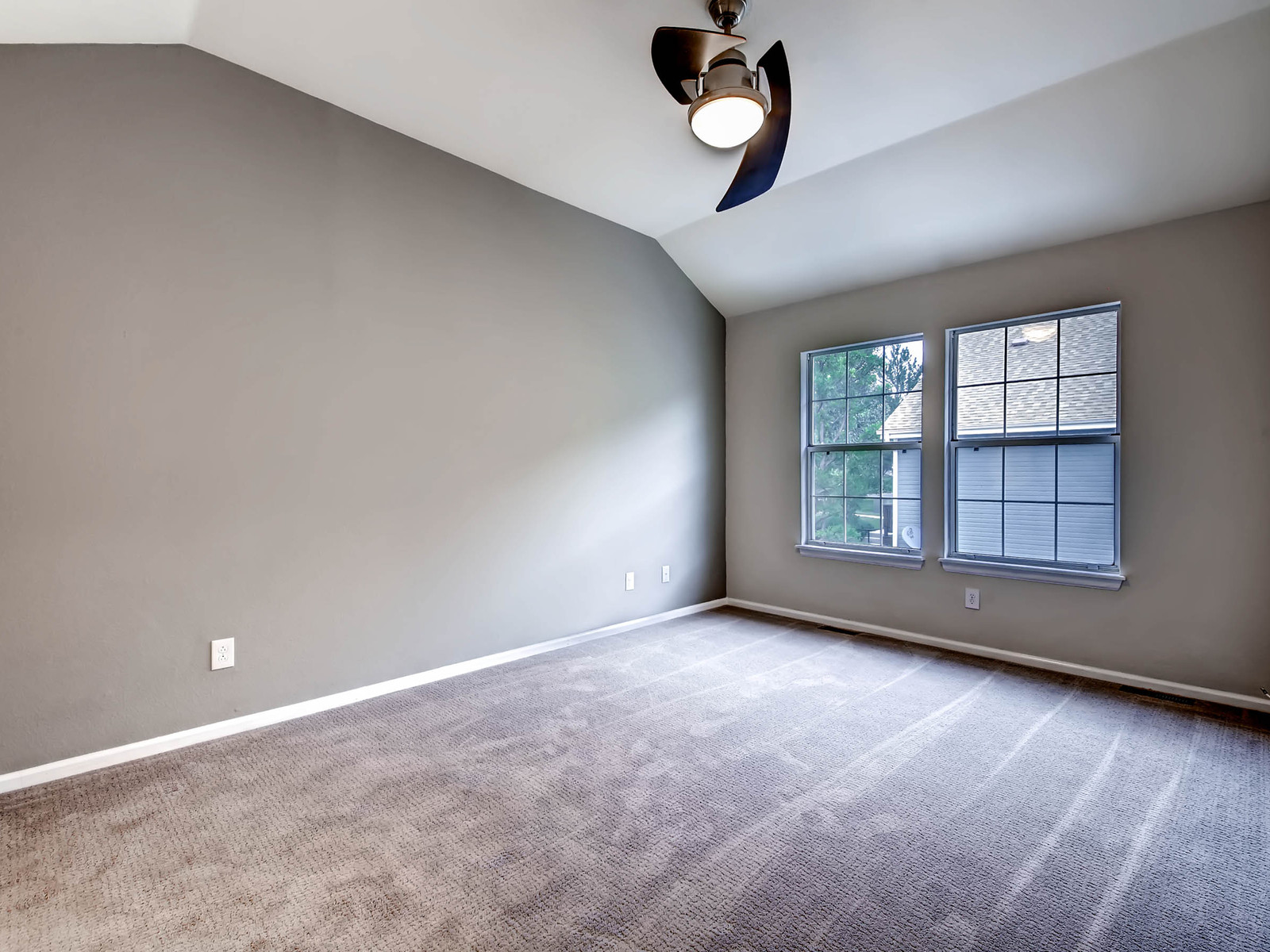 2896 W Long Circle Unit B-MLS_Size-011-6-2nd Floor Master Bedroom-1600x1200-72dpi.jpg