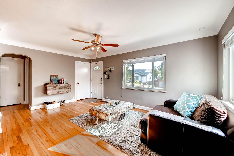 1269 Ames St Lakewood CO 80214-large-004-2-Living Room-1500x1000-72dpi.jpg