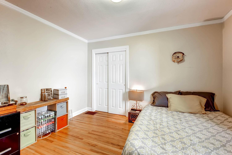 1269 Ames St Lakewood CO 80214-large-016-21-Bedroom-1500x1000-72dpi.jpg