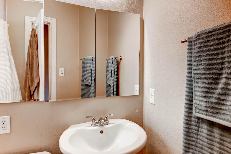 1269 Ames St Lakewood CO 80214-large-017-13-Bathroom-1500x1000-72dpi.jpg