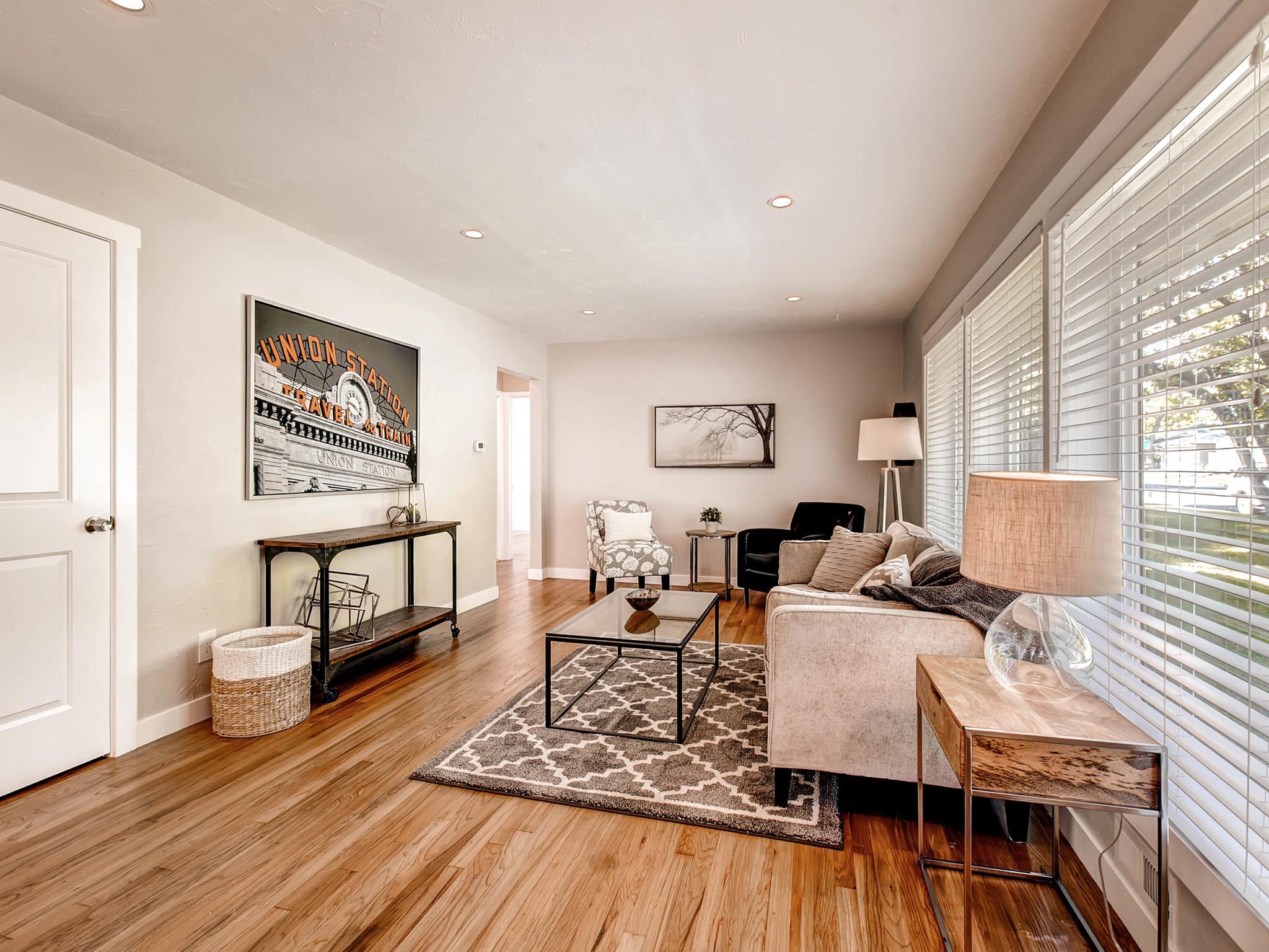 2521 S Bellaire St Denver CO-MLS_Size-006-10-Living Room-2048x1536-72dpi.jpg