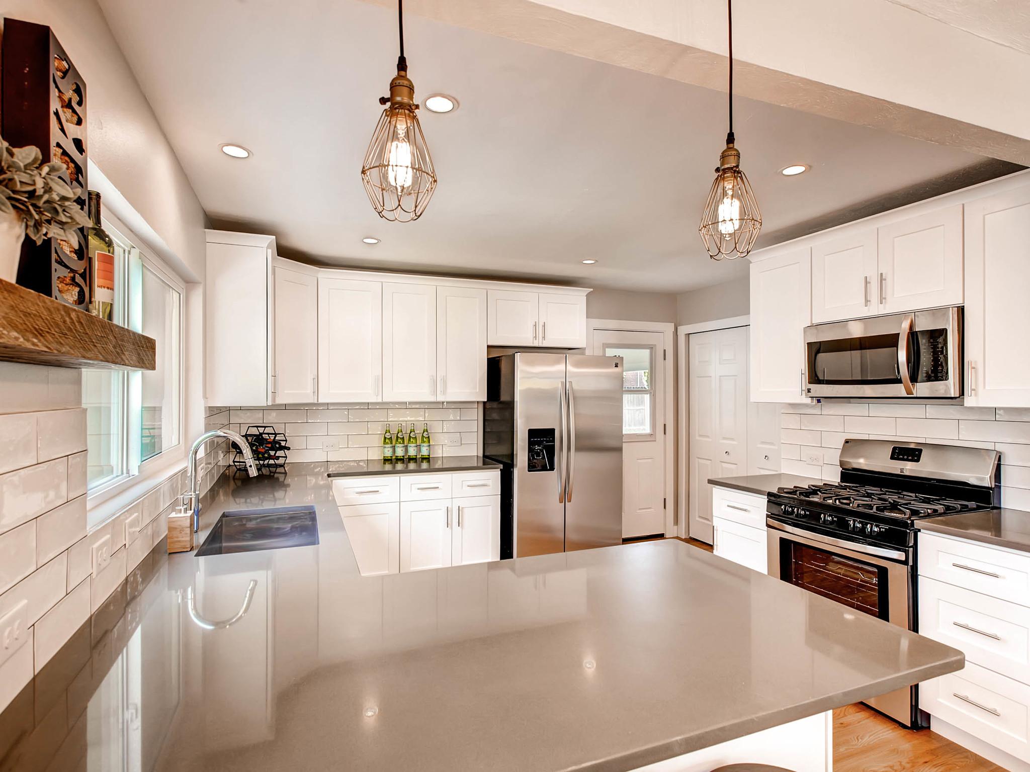 2521 S Bellaire St Denver CO-MLS_Size-009-23-Kitchen-2048x1536-72dpi.jpg