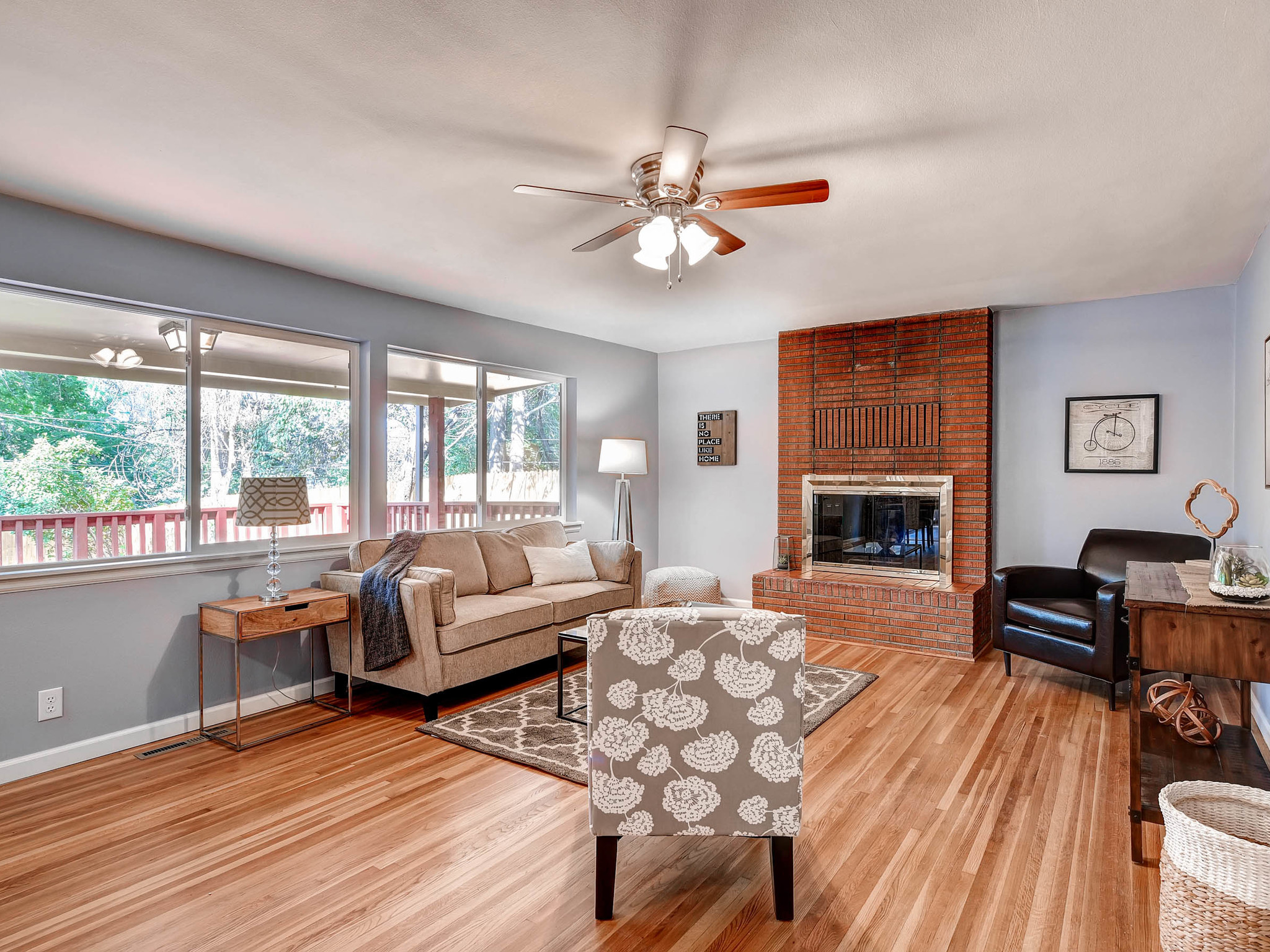 3951 E Dartmouth Ave Denver CO-MLS_Size-002-6-Living Room-2048x1536-72dpi.jpg