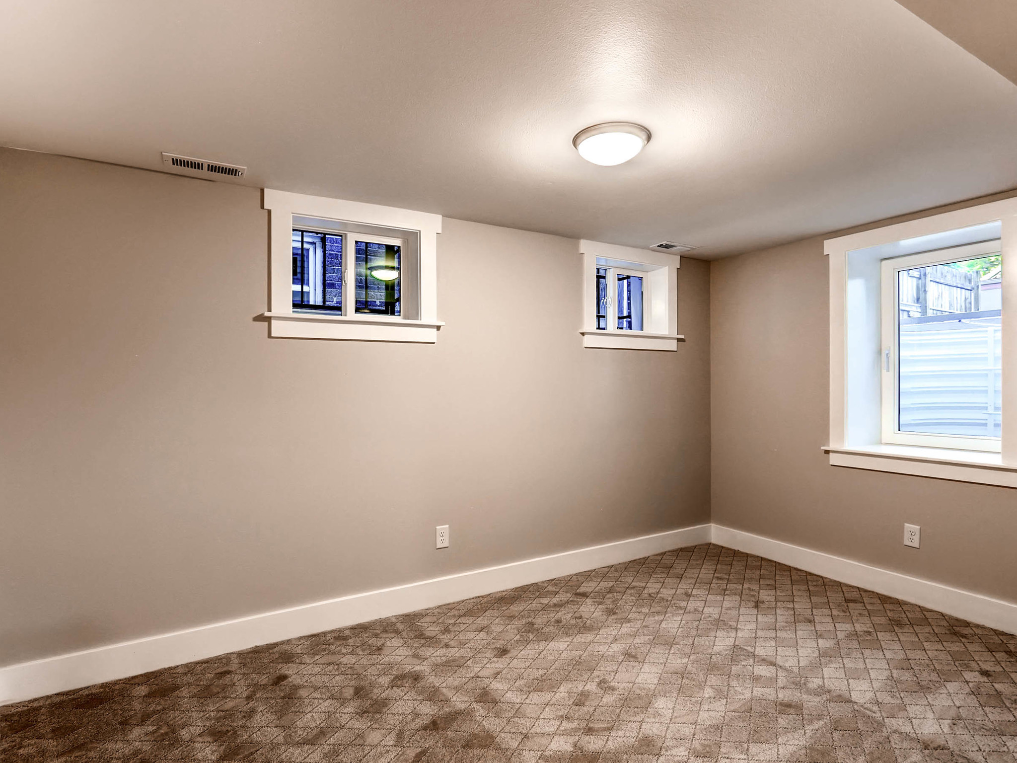 636 Josephine Street Denver CO-MLS_Size-021-19-Lower Level Bedroom-2048x1536-72dpi.jpg