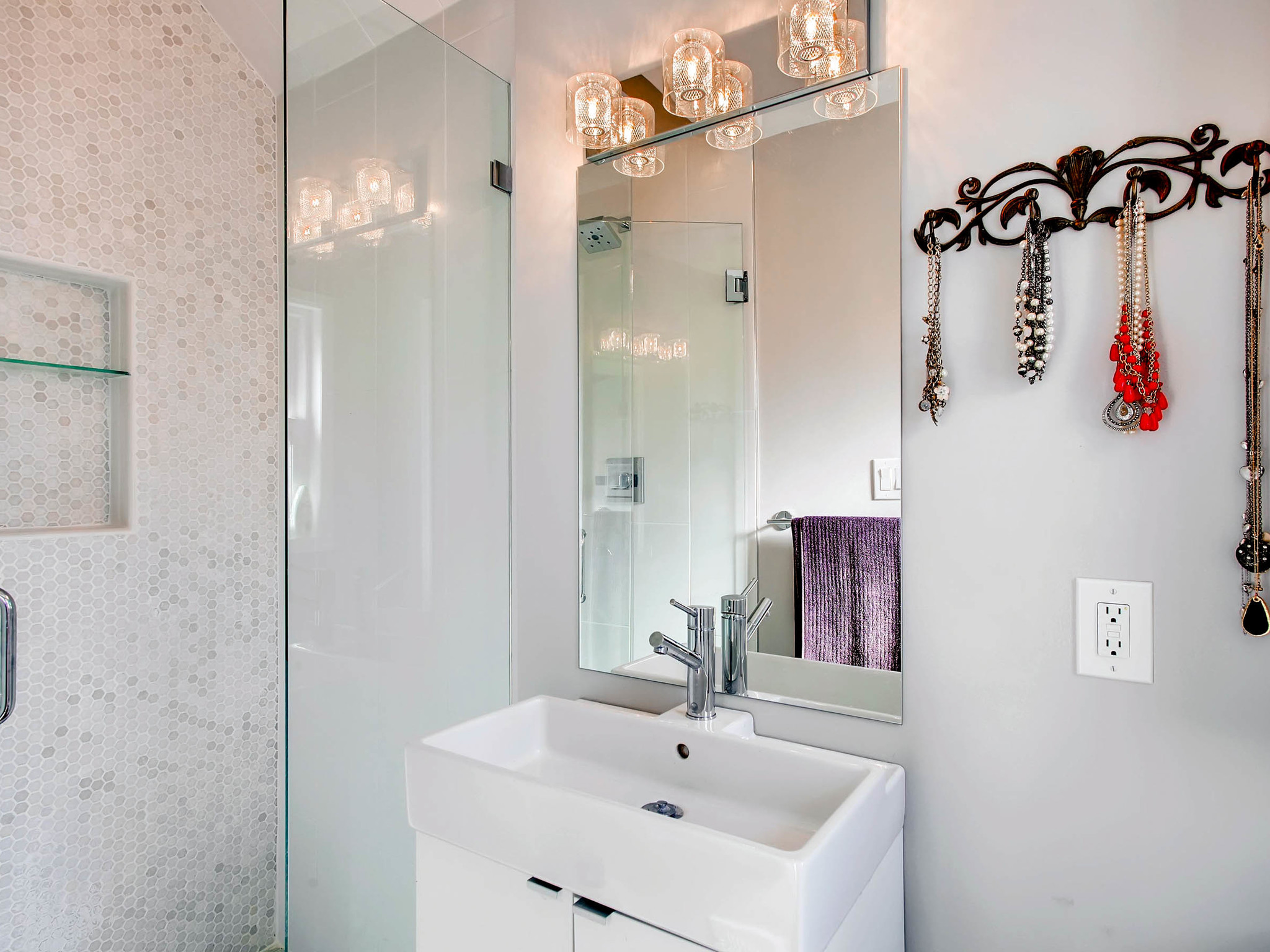 2531 S Dennison Ct Denver CO-MLS_Size-016-13-Master Bathroom-2048x1536-72dpi.jpg