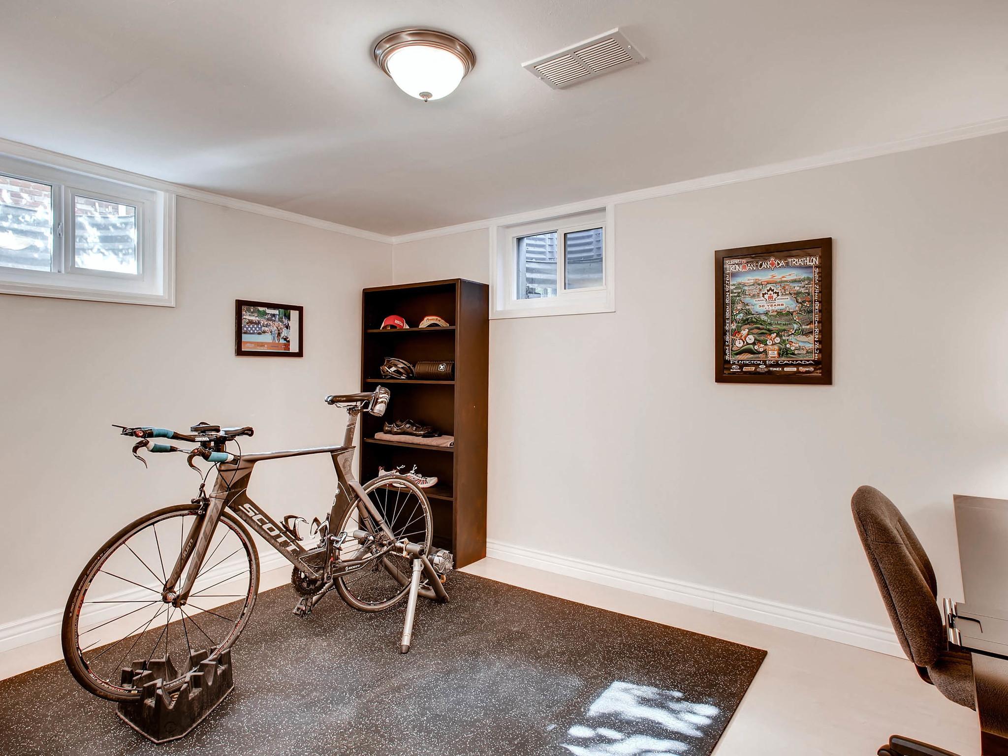 2531 S Dennison Ct Denver CO-MLS_Size-023-26-Lower Level Bedroom-2048x1536-72dpi.jpg