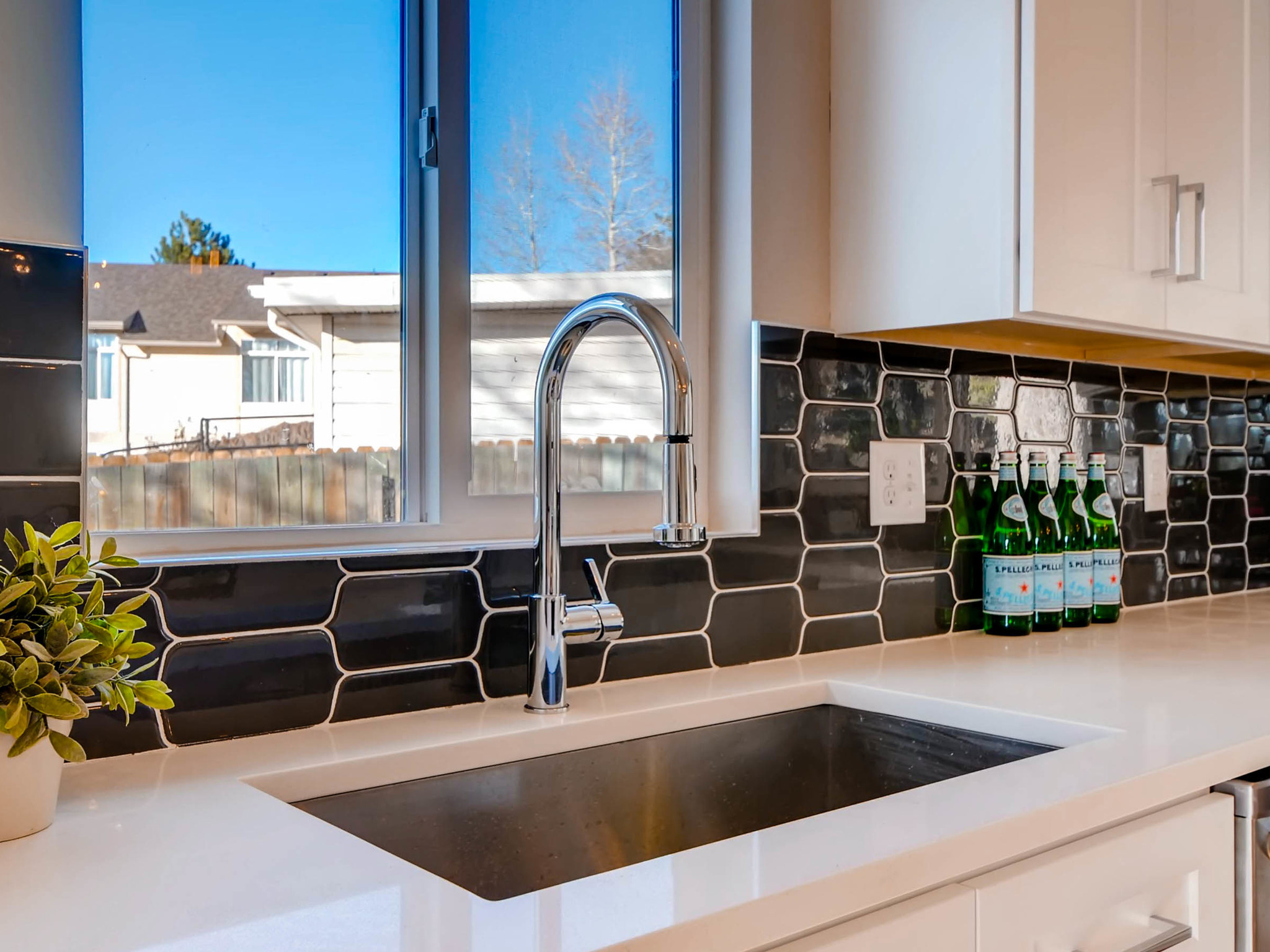 4750 S Mariposa Dr Englewood-MLS_Size-013-19-2nd Floor Kitchen Detail-2048x1536-72dpi.jpg