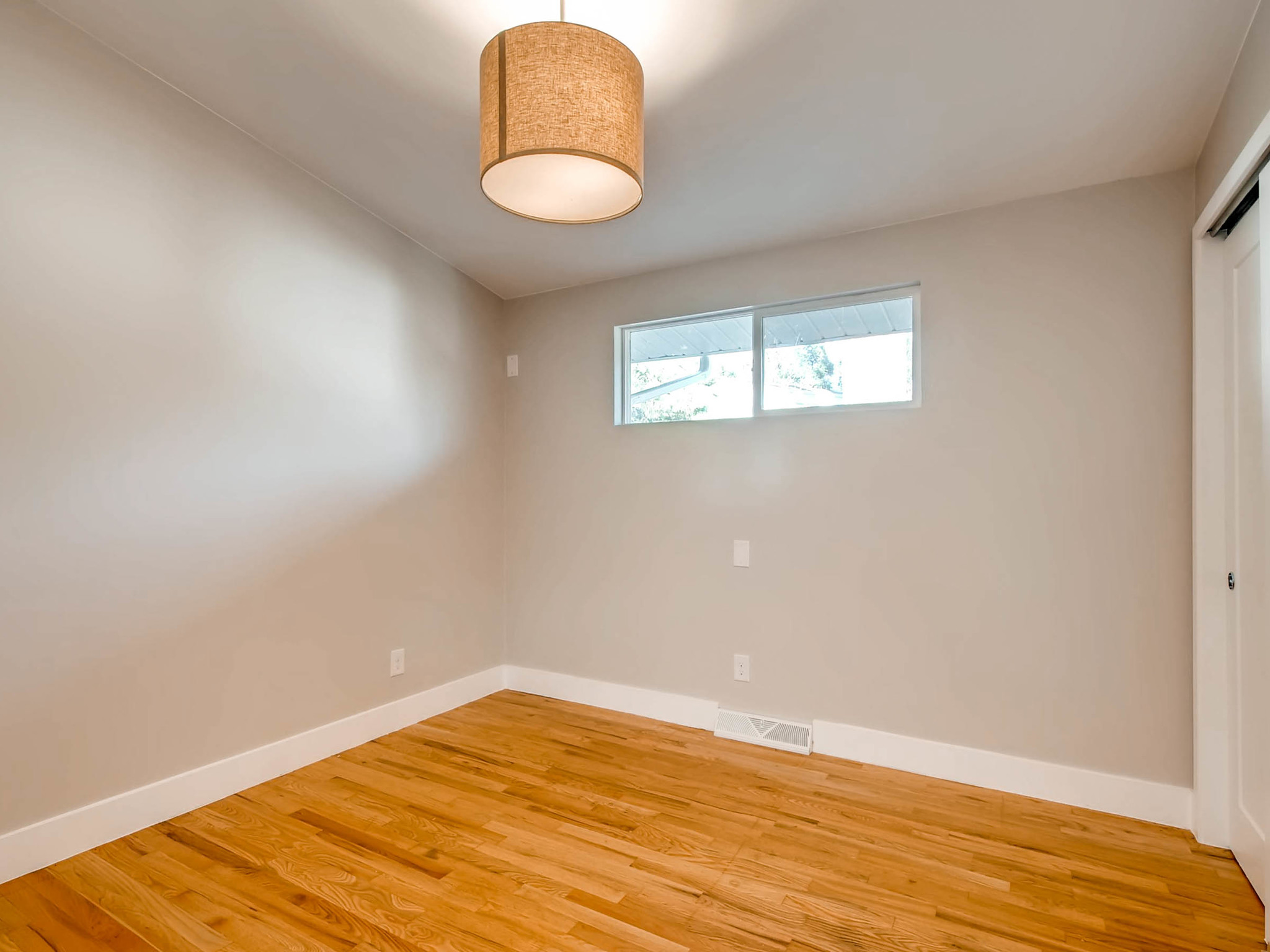 4750 S Mariposa Dr Englewood-MLS_Size-021-9-2nd Floor Bedroom-2048x1536-72dpi.jpg